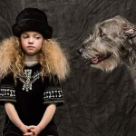 Ирландский волкодав и девочка